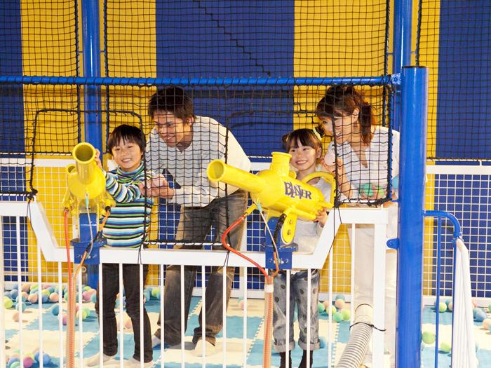 雨の日でも子どもが元気に遊べる室内スポット4選。