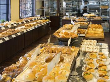 '16年7月OPEN! スペイン製石窯で100種類を焼きあげるメニュー豊富なパン屋さん。