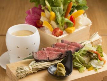 '16年4月RENEWAL! 老舗日本料理店が一日使える「割烹バル」に。