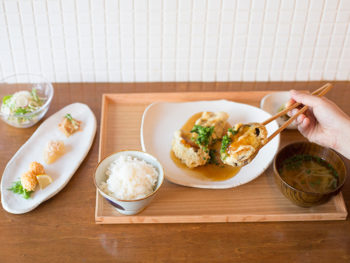 '17年11月OPEN! 丁寧に作られた家庭料理を定食で楽しむ、おしゃれな食堂。
