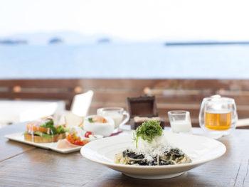 牛窓のヨットハーバーなど海を望むイタリア料理店。