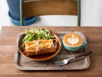 '18年1月、コーヒー店激戦区にオープン。全国から豆を厳選したコーヒーで、至福のひと時を。