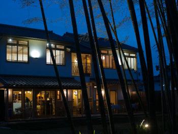 '15年3月OPEN! 美観地区の路地裏に、倉敷の宵の時間を提供する新スポット
