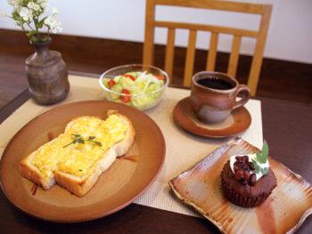 '15年5月OPEN! 備前焼でコーヒーを楽しめる大人仕様の寛ぎカフェ。