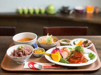 《岡山市/カモスカゴハン》'18年6月OPEN! 野菜たっぷりのランチは、手間ひまかけた料理が12種類も!