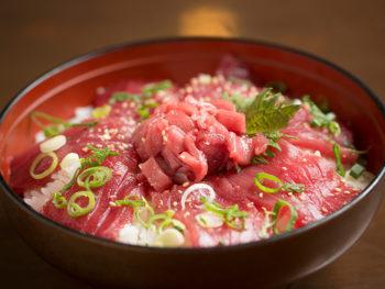 《津山市/むぎわらぼうし》食材にこだわる洋食店の夏限定メニュ-「本マグロ丼」は必食!