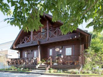 《カフェ シエル》'18年7月OPEN! 知っていることを自慢したくなる隠れ家ログハウスカフェ。