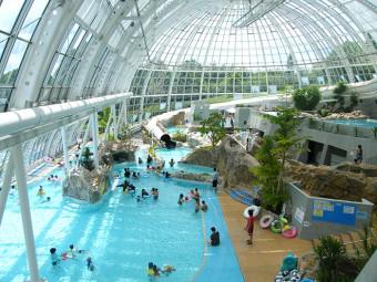 《グリーンヒルズ津山》今年の夏もプールなら、津山の『グラスハウス』へ。