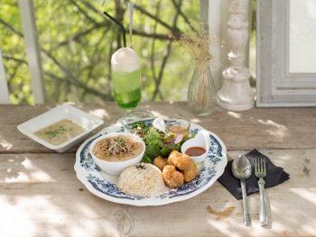 津山にあるシャビーシックな空間で、ヴィーガンランチとインテリア雑貨を楽しもう。