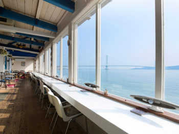 海が目前の特等席で堪能する、品数&ボリューム満点なイタリアン。