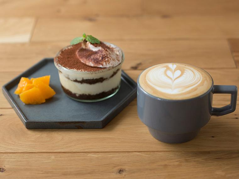 《倉敷市/QINOCO》いれ方を選べるスペシャルティコーヒーを、充実のフードメニューとともに。