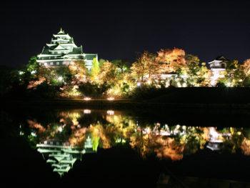 《秋の烏城灯源郷》この時期ならではの岡山城の魅力を「錦秋烏城」で楽しんで。