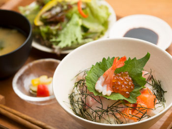 《広島県向島/立花食堂》海と山の幸を味わえる、おしゃれな島の食堂。