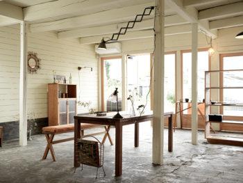 【動画】《矢掛町/MEUBLE POSTE(ムーブル・ポスト)》真新しさのなかにアンティークのような深い味わいを宿す、世界にひとつだけの木製家具。
