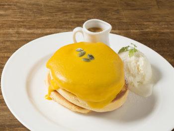 《岡山市/六花園》特製ソースがとろ~り、ふわふわ食感のパンケーキ。