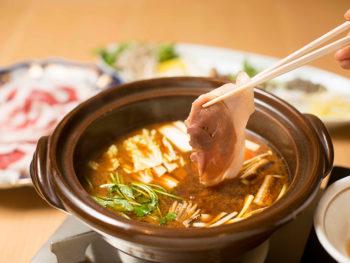 《鏡野町/奥津荘》足元湧出の名湯と宿自慢の夕食を、日帰りでプランで堪能。