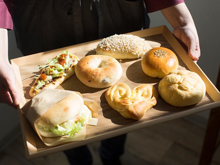 《倉敷市/イッカクベーカリー》'19年1月OPEN! ナチュラルな雰囲気の店内に並ぶ、 形がかわいい無添加でヘルシーなパン。