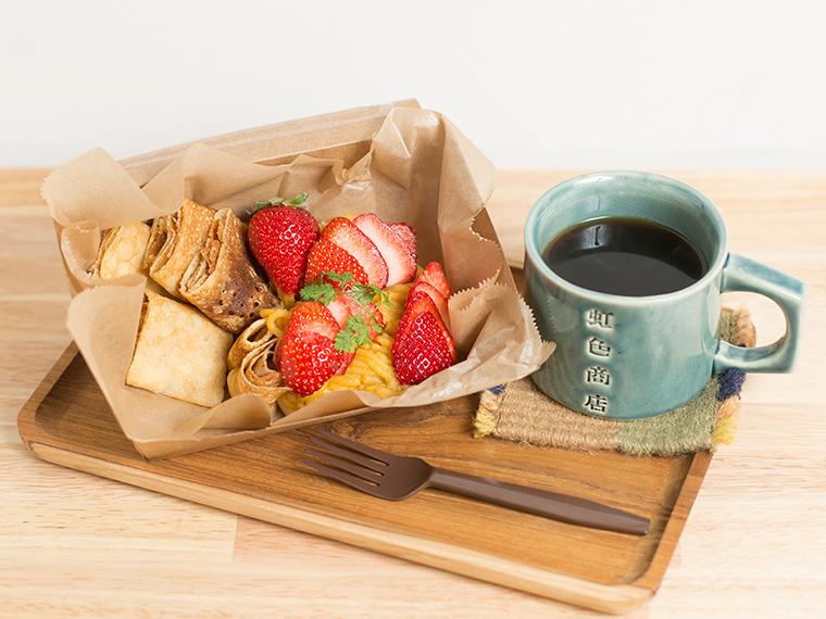 《倉敷市/虹色商店》'19年3月OPEN! 甘い早雲蜜芋ペーストをトッピング。新スタイルのクレープを。