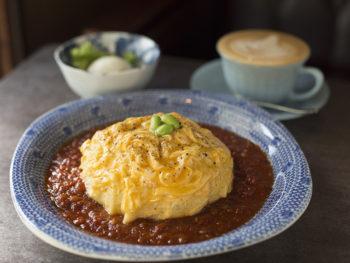 《香川県直島町/カフェサロン中奥》自宅のようにくつろげるカフェで、コーヒーとともにスローなひと時を。