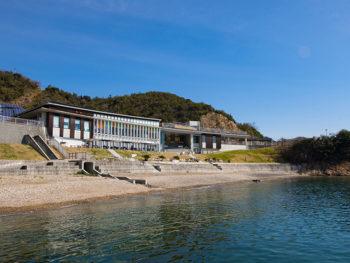 《兵庫県たつの市/道の駅 みつ》播磨灘を一望する道の駅で、海の幸を豪快に食す。