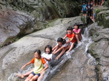 《広島県府中市/川の夏遊び。》夏休みは岡山のお隣の府中市でダイナミックに川遊びを! ひんやりグルメも大注目!