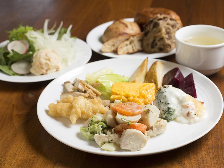 《鳥取県八頭郡/OENOSATO TERRASSE》地元産野菜を使った絶品美食バイキング。