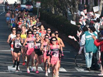 《山陽女子ロードレース》師走の岡山を選手たちが駆け抜ける。ランナーたちに熱い声援を贈ろう。