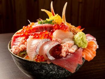 《岡山市/大名庵》鮮度抜群! 行列のできる海鮮丼を食べに。