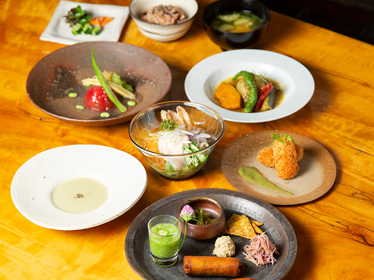 《高梁市/暮らし日和 koko》完全予約制の古民家レストラン。味わいや食感にも工夫を凝らした、独創的な野菜のコースに感動!